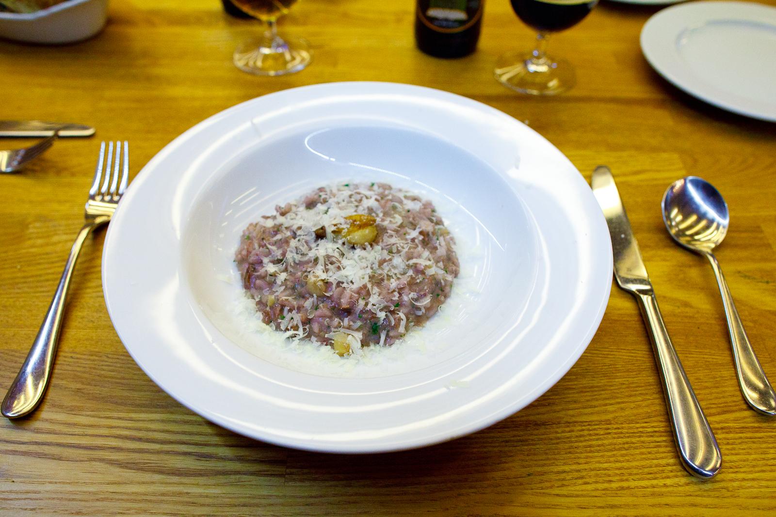 Risotto de tuétano, res braseada y vino tinto (bone marrow risotto with red wine braised beef) (140 MXP)