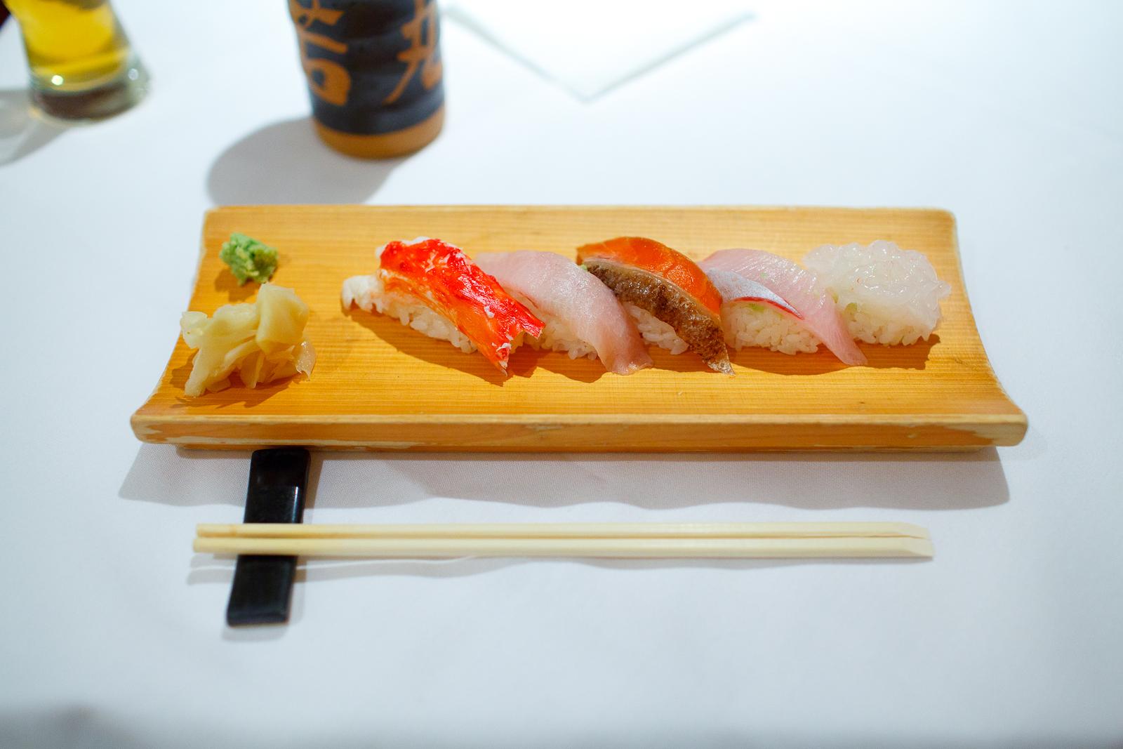 Crab, yellowtail, salmon, kinmedai, white shrimp