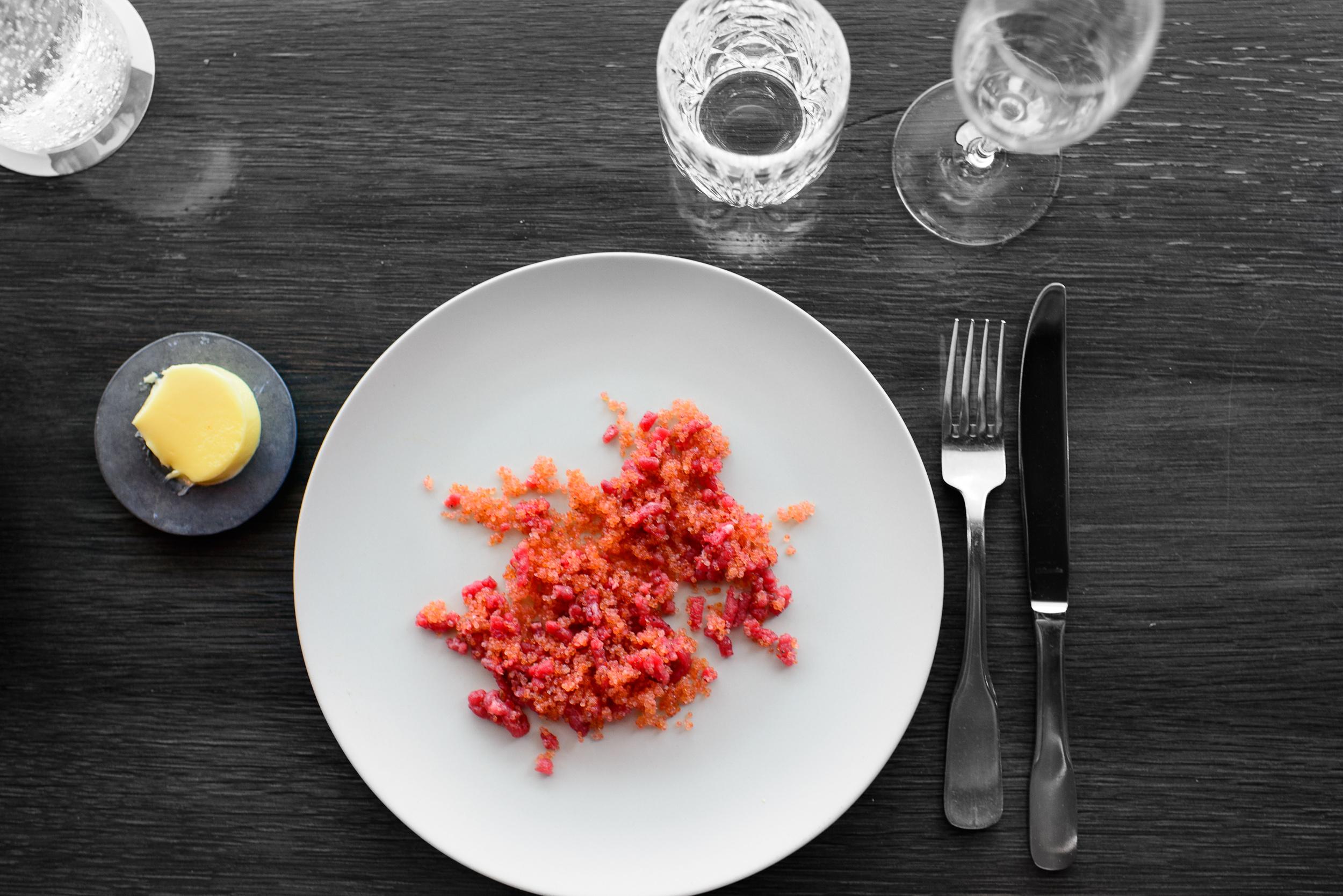 6th Course: Beef tartar, lumpfish roe, chile