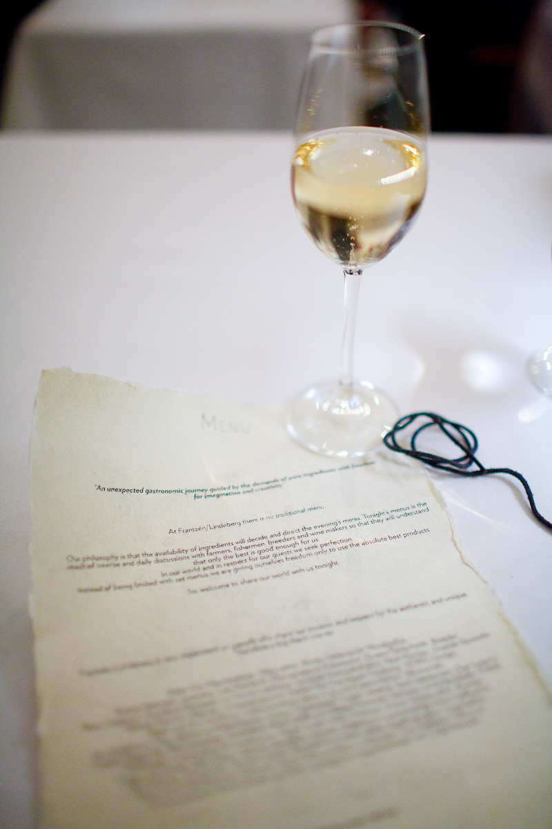 Presentation of the restaurant's concept with a glass of champagne.jpg