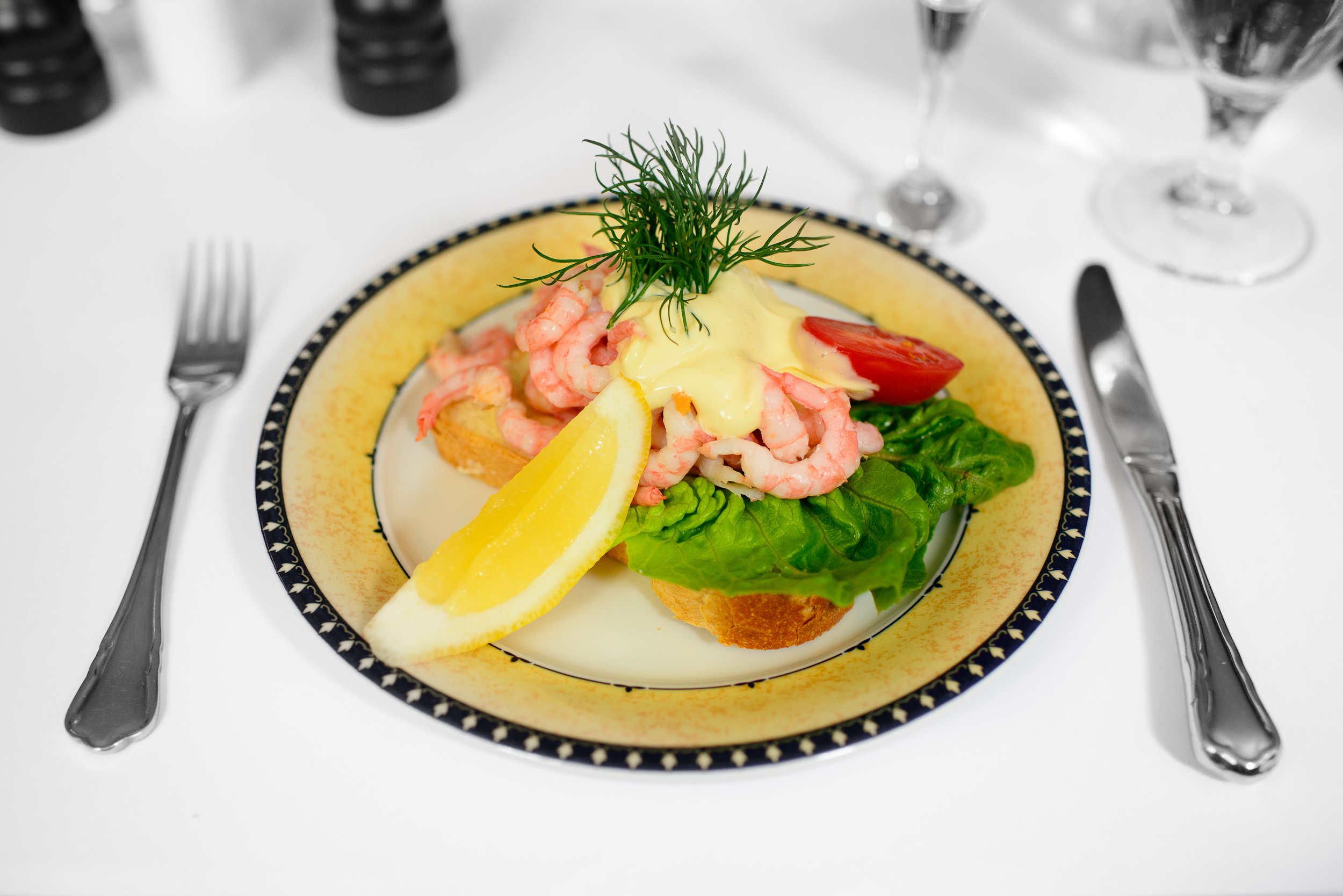 Hand-shelled shrimps from Greenland, mayonnaise and lemon