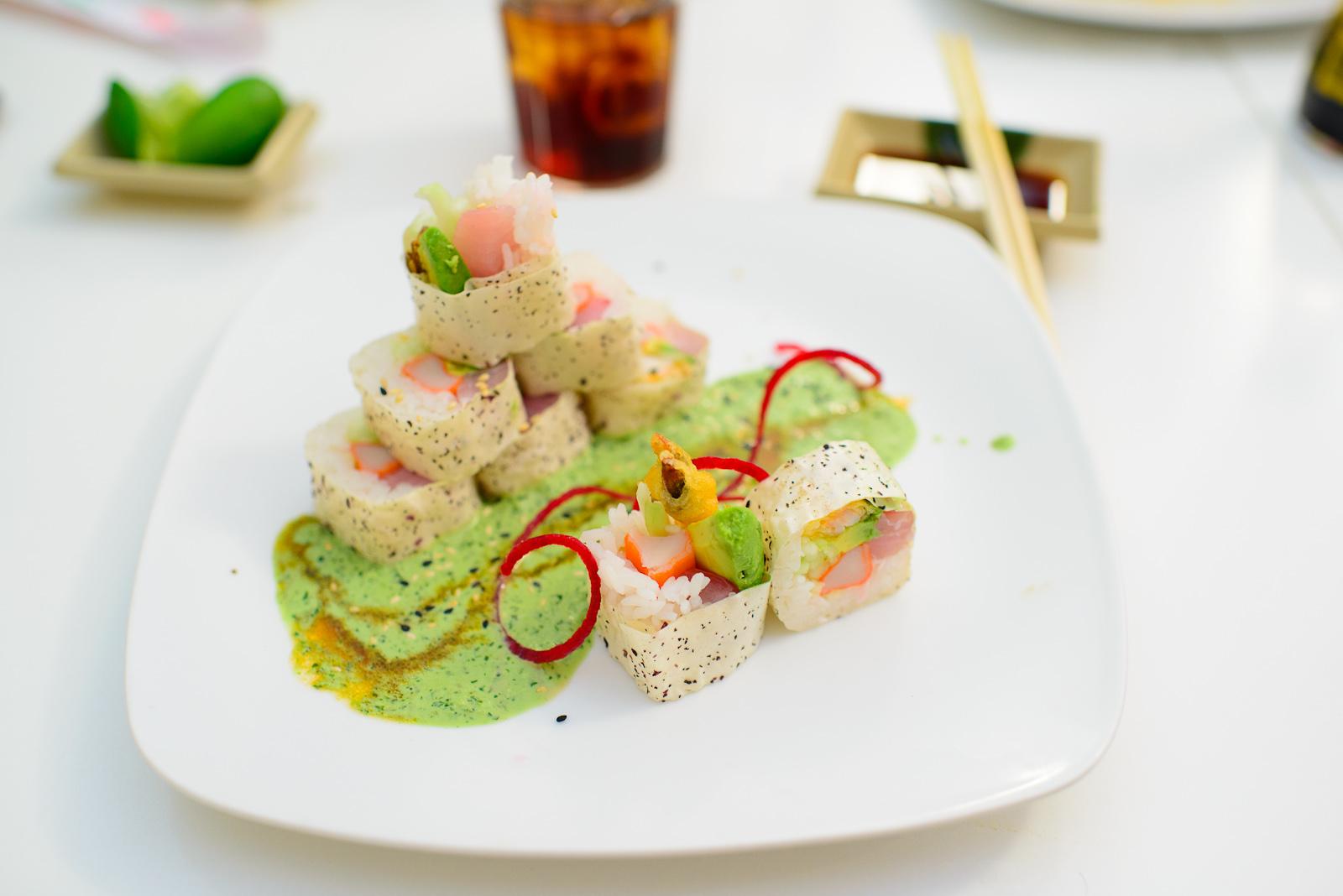 Anitza Roll - Cangrejo, camarón tempura, atún, dorado, aguacat