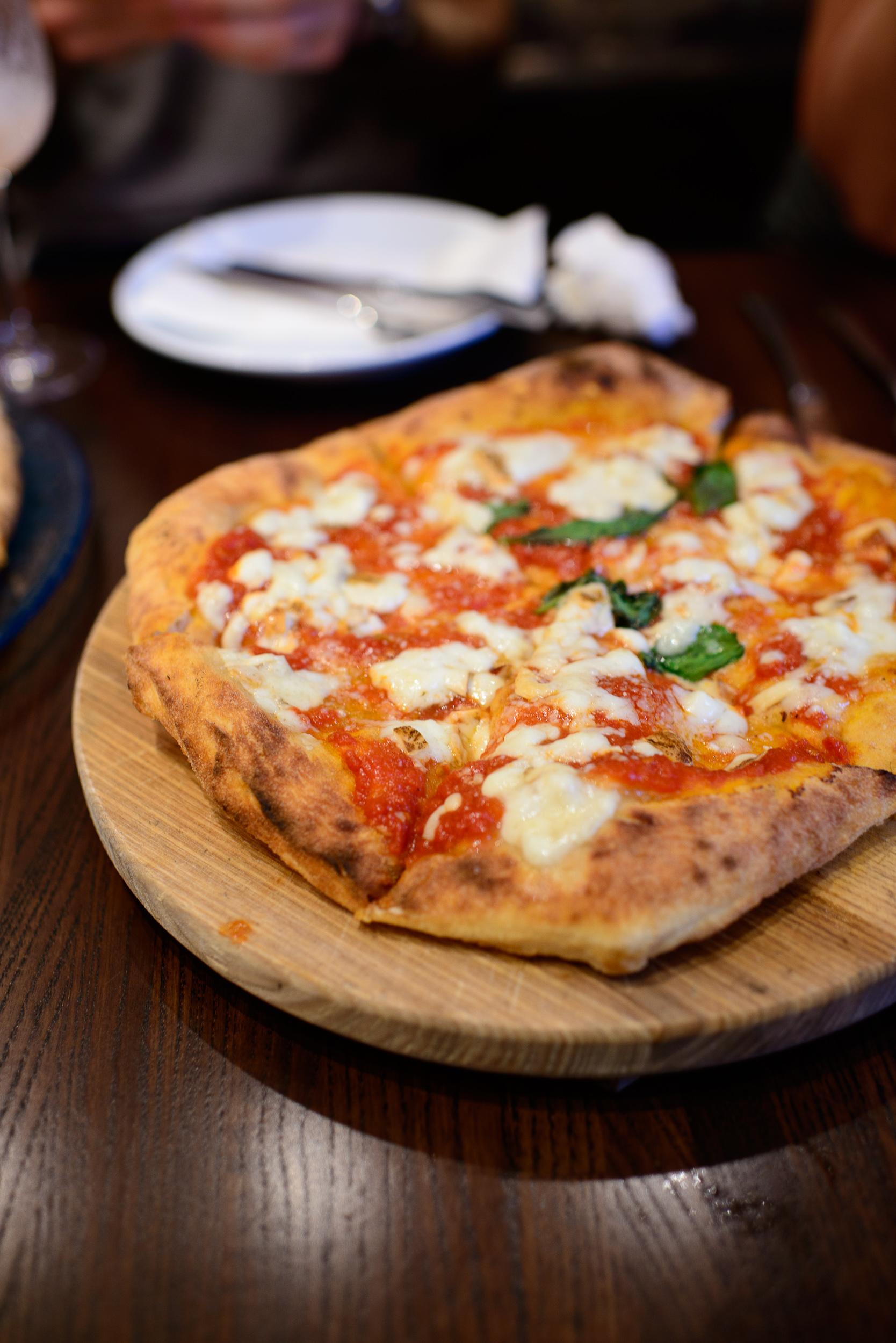Pizza montanara (deep-fried pizza)