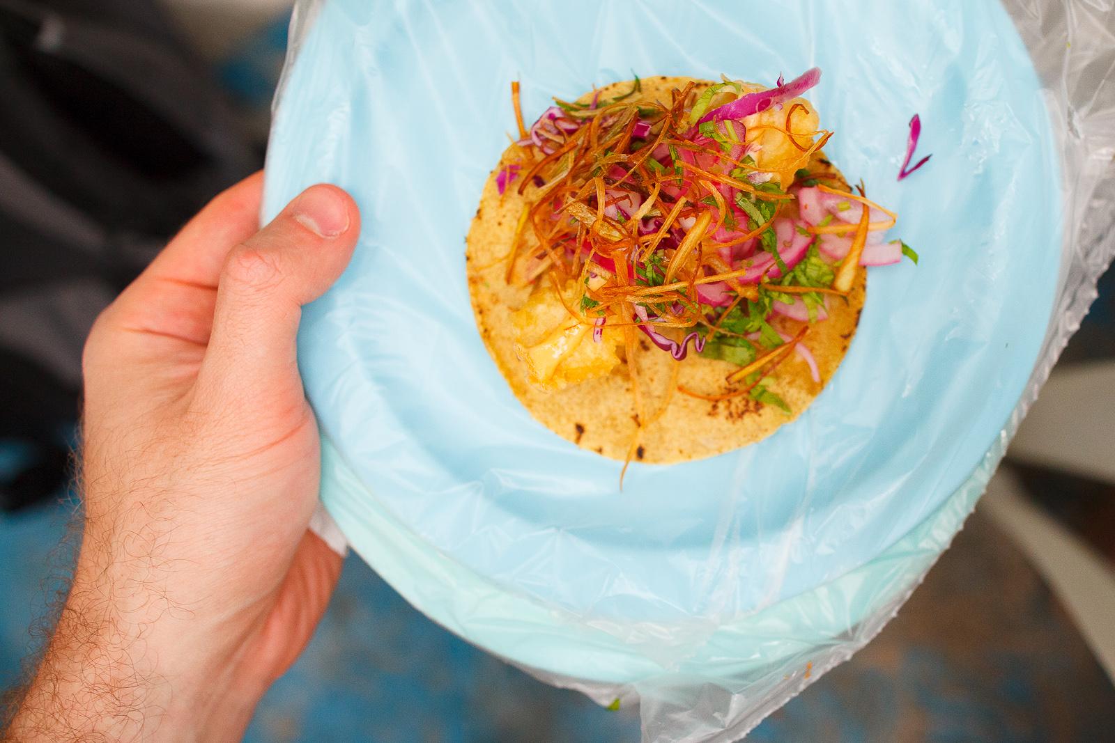 Taco de pescado ensabanado - tiras de filete de pescado capeados