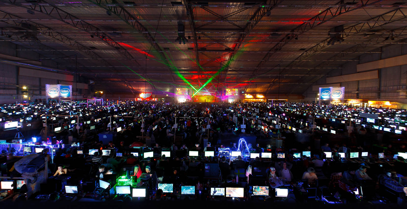 Hall D on the second night, 12,280 computers.jpg