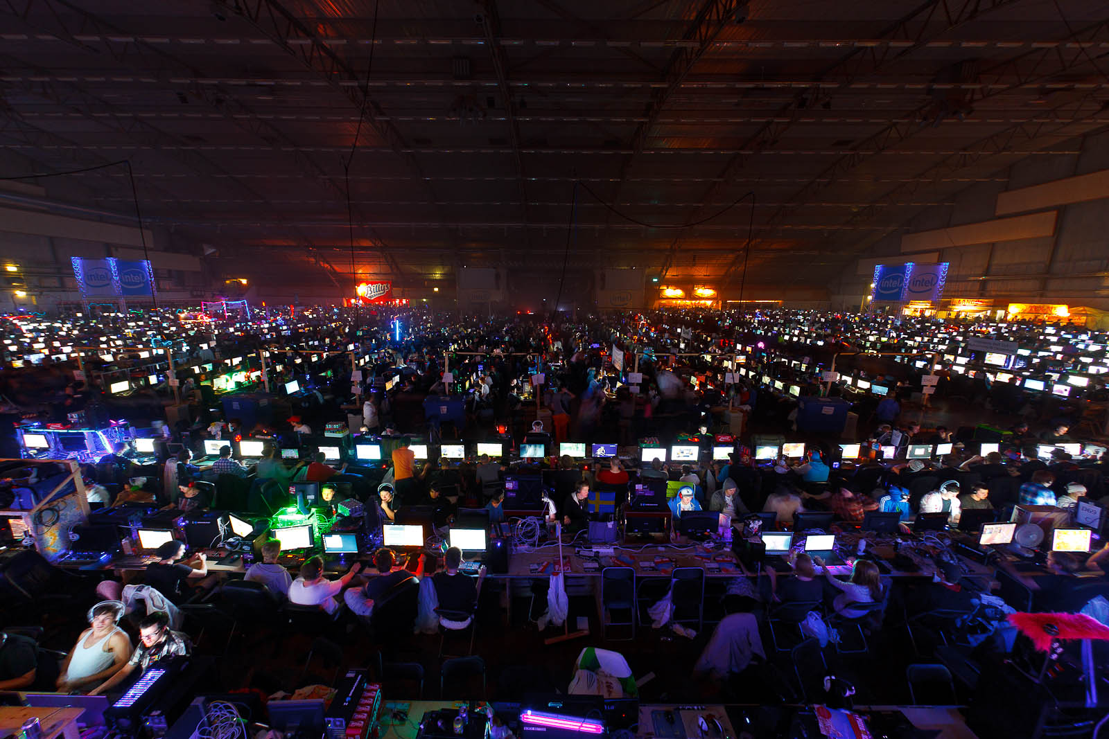 Lights out at DreamHack Winter 2011