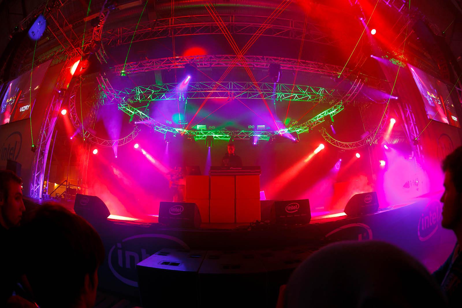 DJ Vizay takes the stage