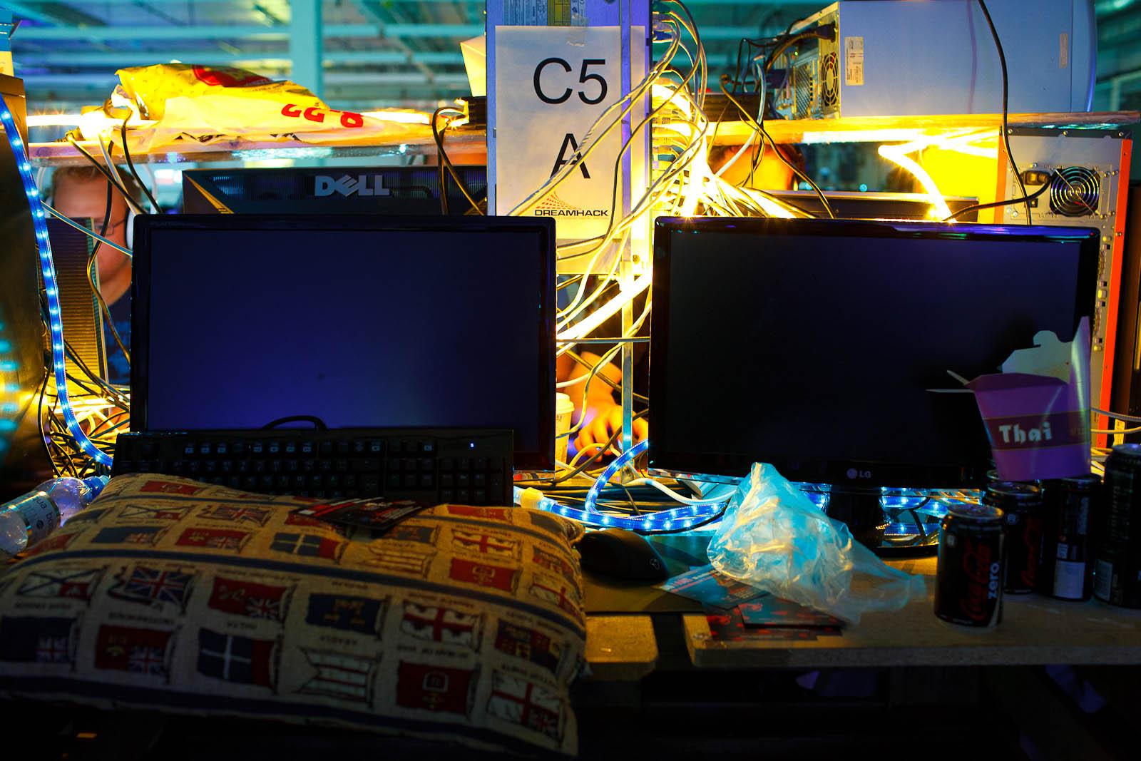 Monitors and games asleep