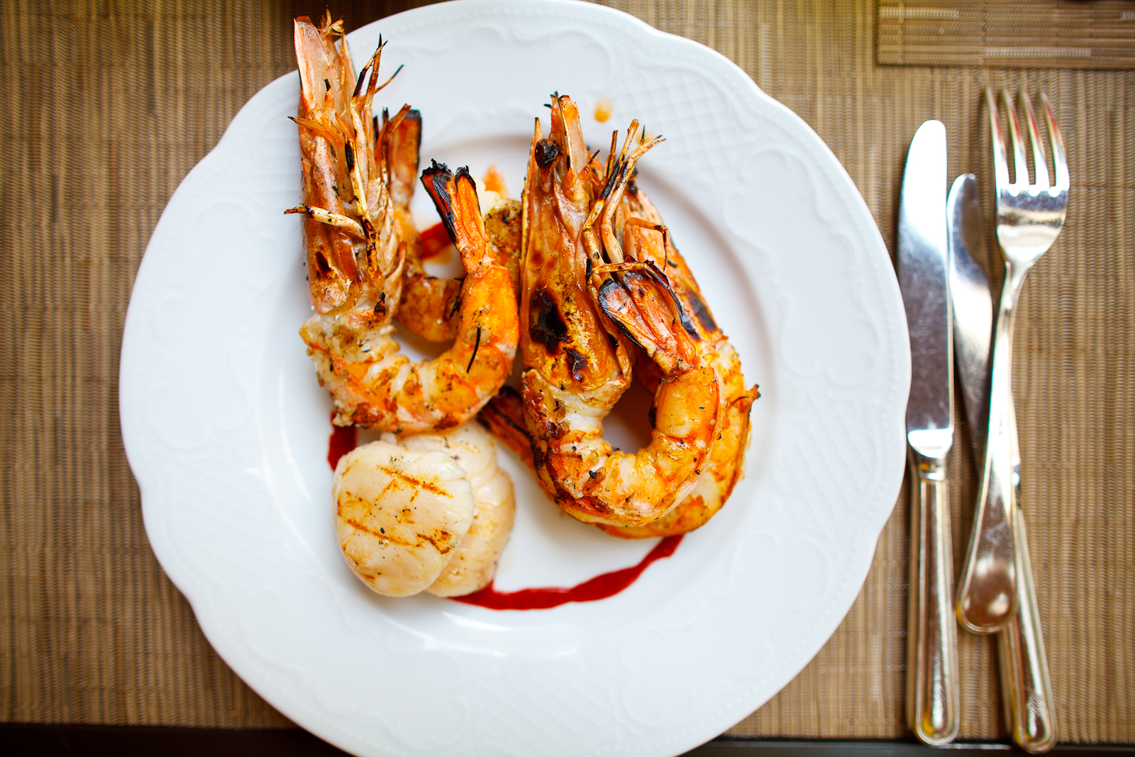 Grilled prawns with diver scallops
