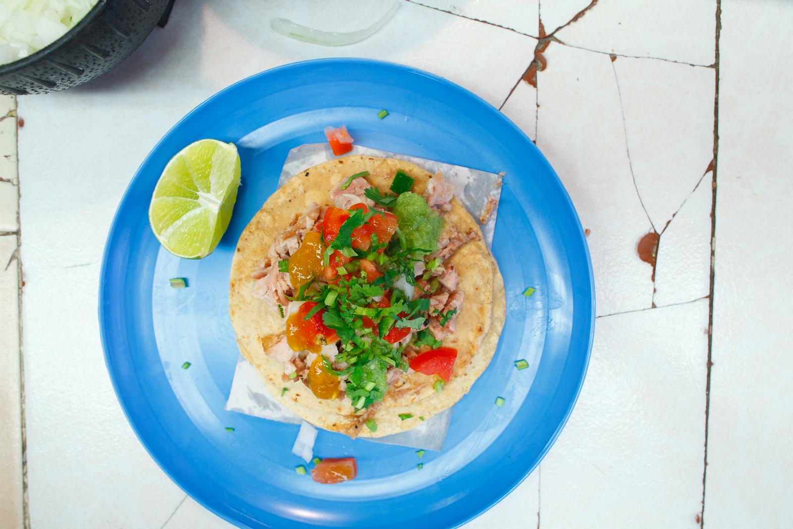 Taco de carnitas (20 MXP)