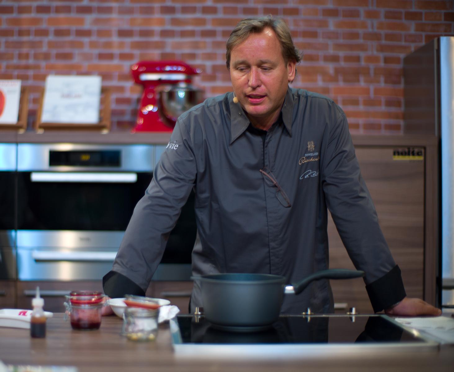 Chef Thomas Bühner of La Vie, giving his presentation