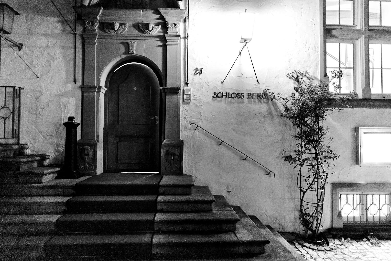 Entrance to Schloss Berg