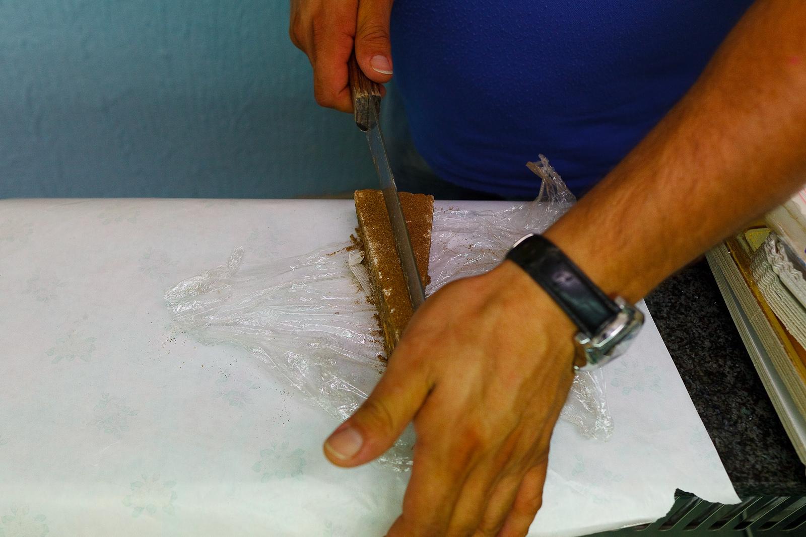 Slicing panpepato