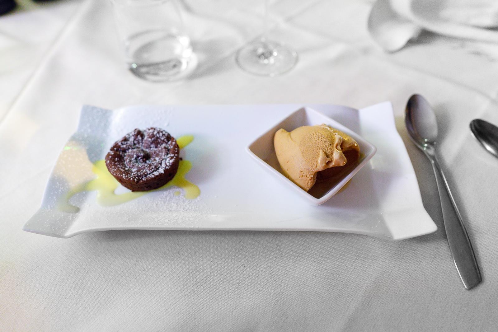 Tortino di Cioccolato con Gelato al Caffè - chocolate tarte with coffee gelato (5€)