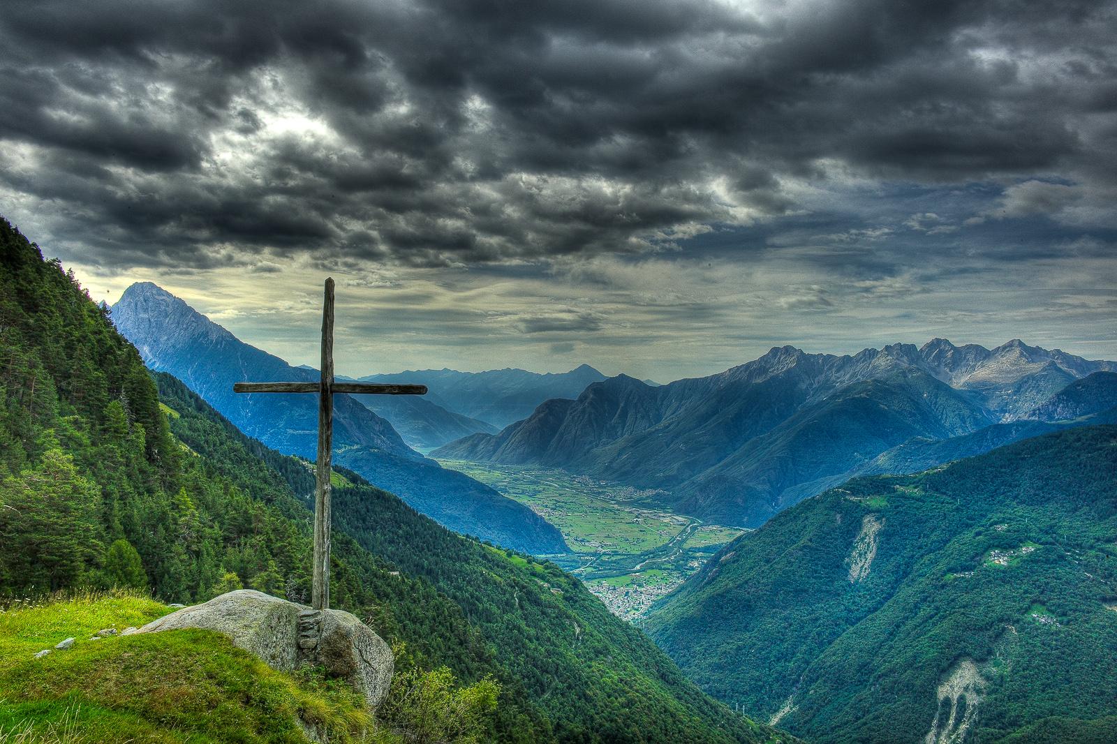 Near the summit at Agoncio, San Giacomo Filippo, Italy