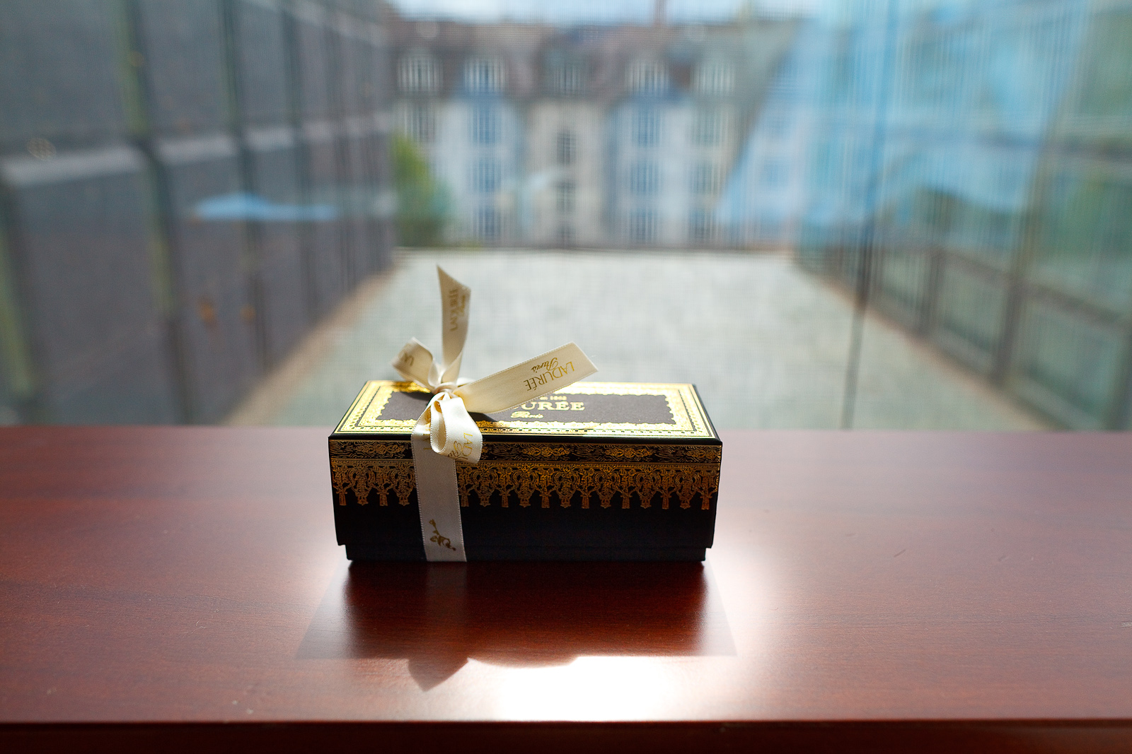 Box of 6 macarons