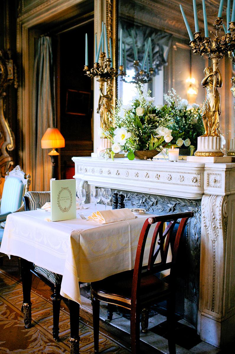 Upstairs tea room, Champs Élysées location