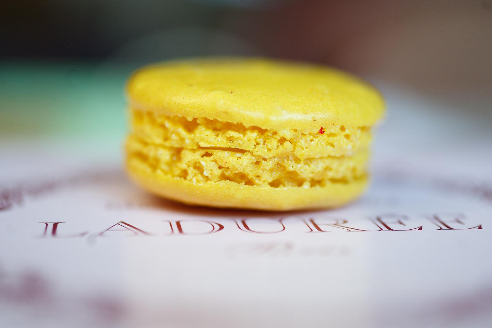 Macaron au citron (lemon)