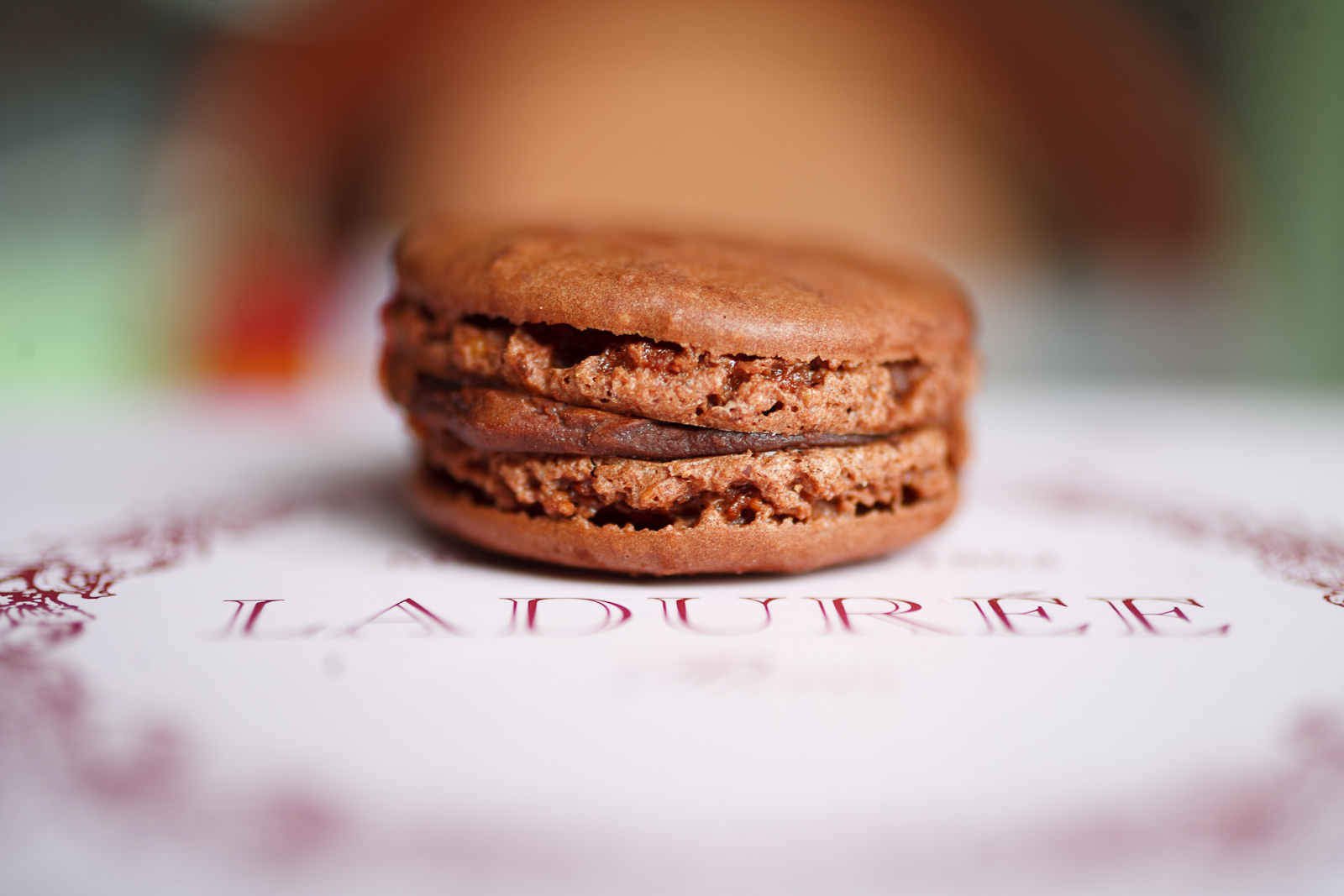 Macaron au chocolat amer (bittersweet chocolate)