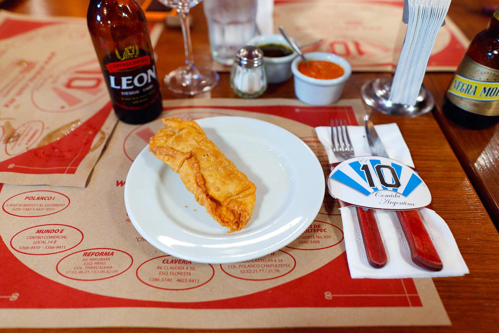 Empanada de elote con queso ($42 MXP).jpg