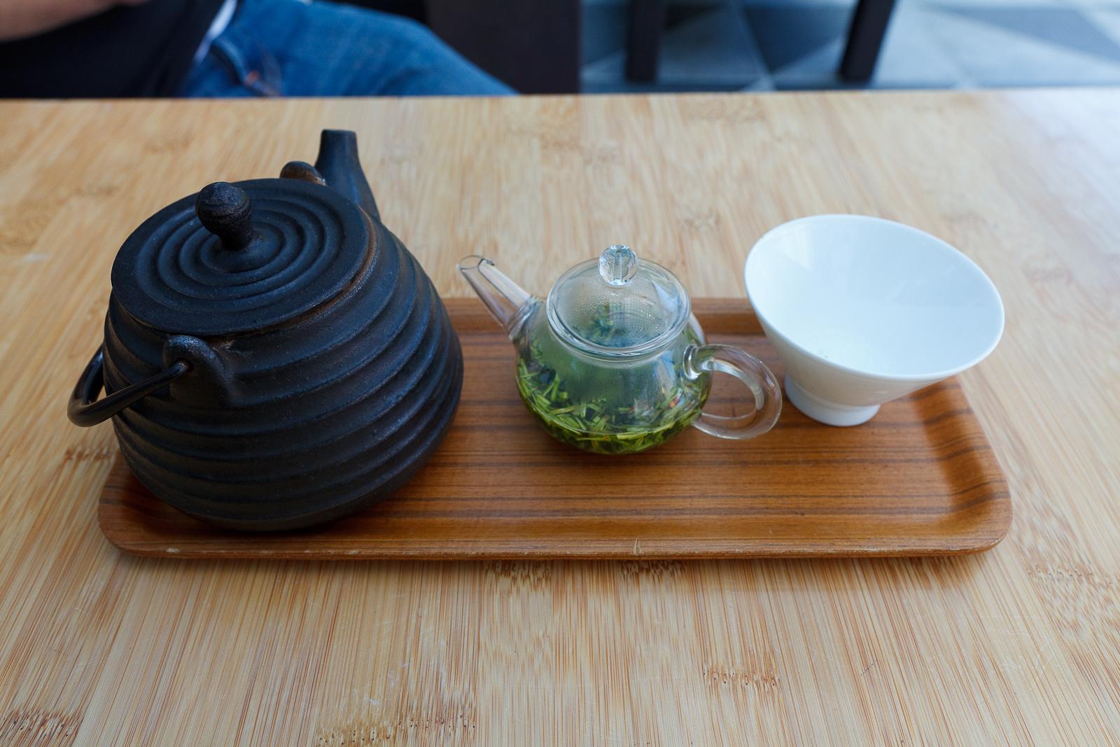Paleolithic tea service - Green tea