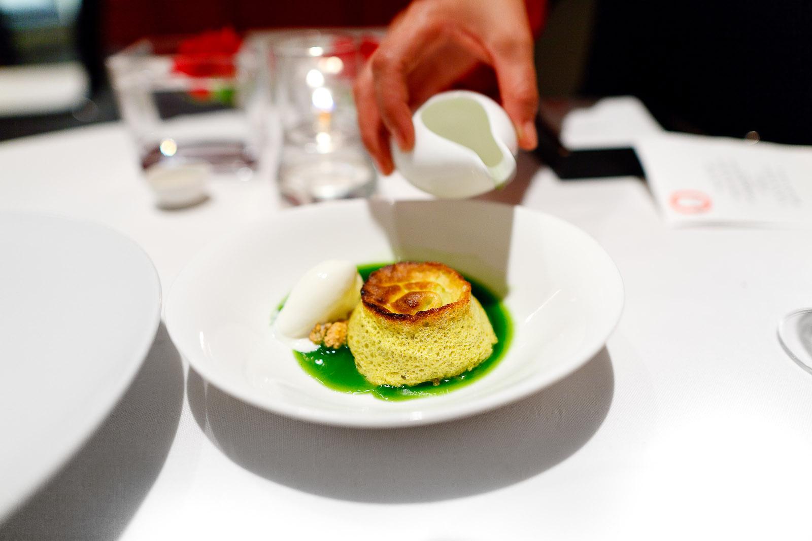 Pistachio soufflé with lime
