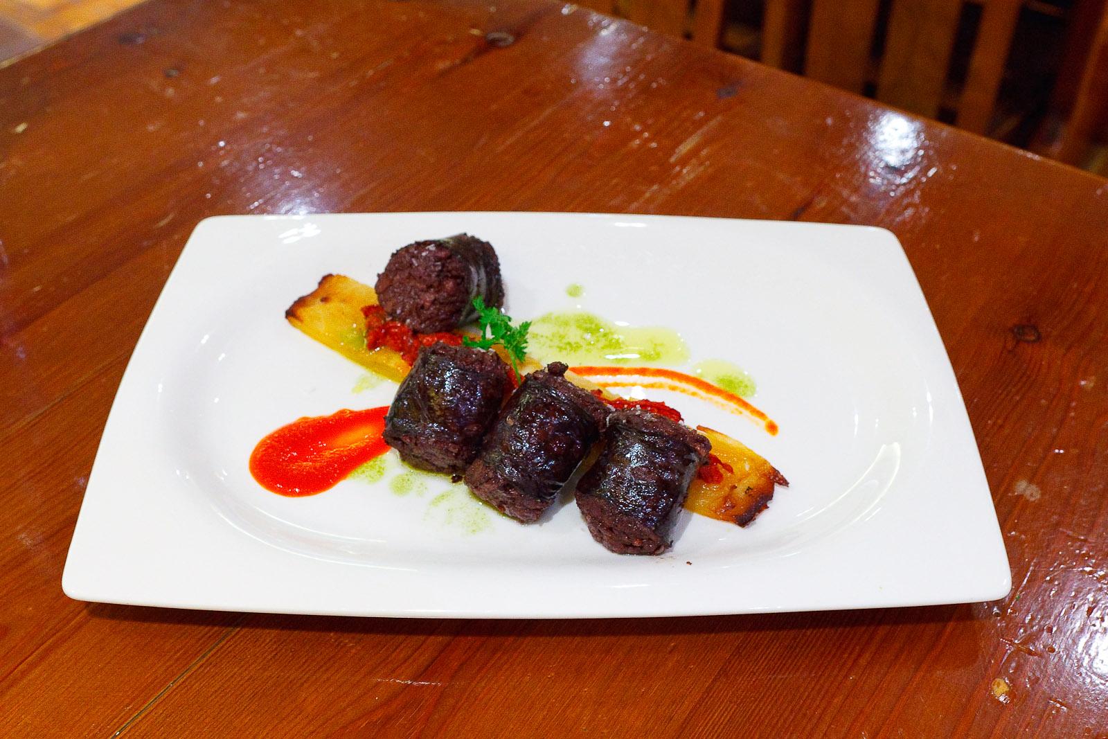 "Grilled black sausage from Alava ""Morcilla"" (14€)"