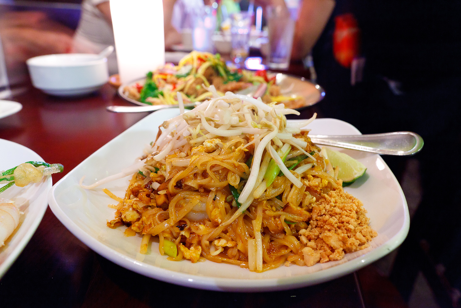Shrimp pad thai with bean sprout, egg, and peanuts ($8)