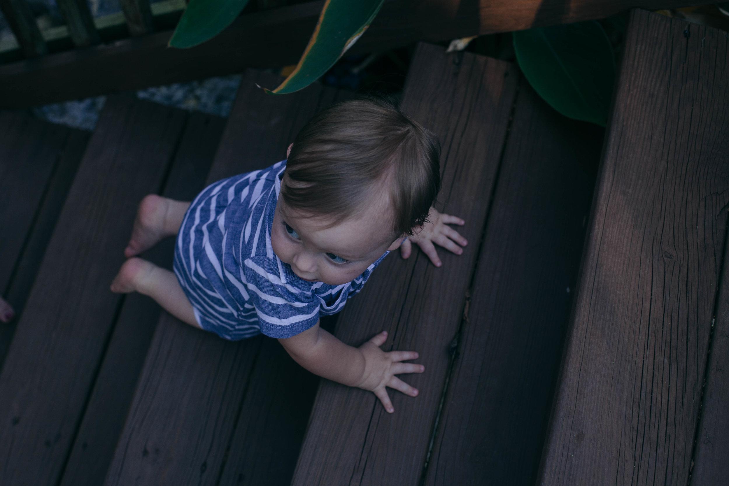 BabyBoyPortraitOutdoorTN2.jpg
