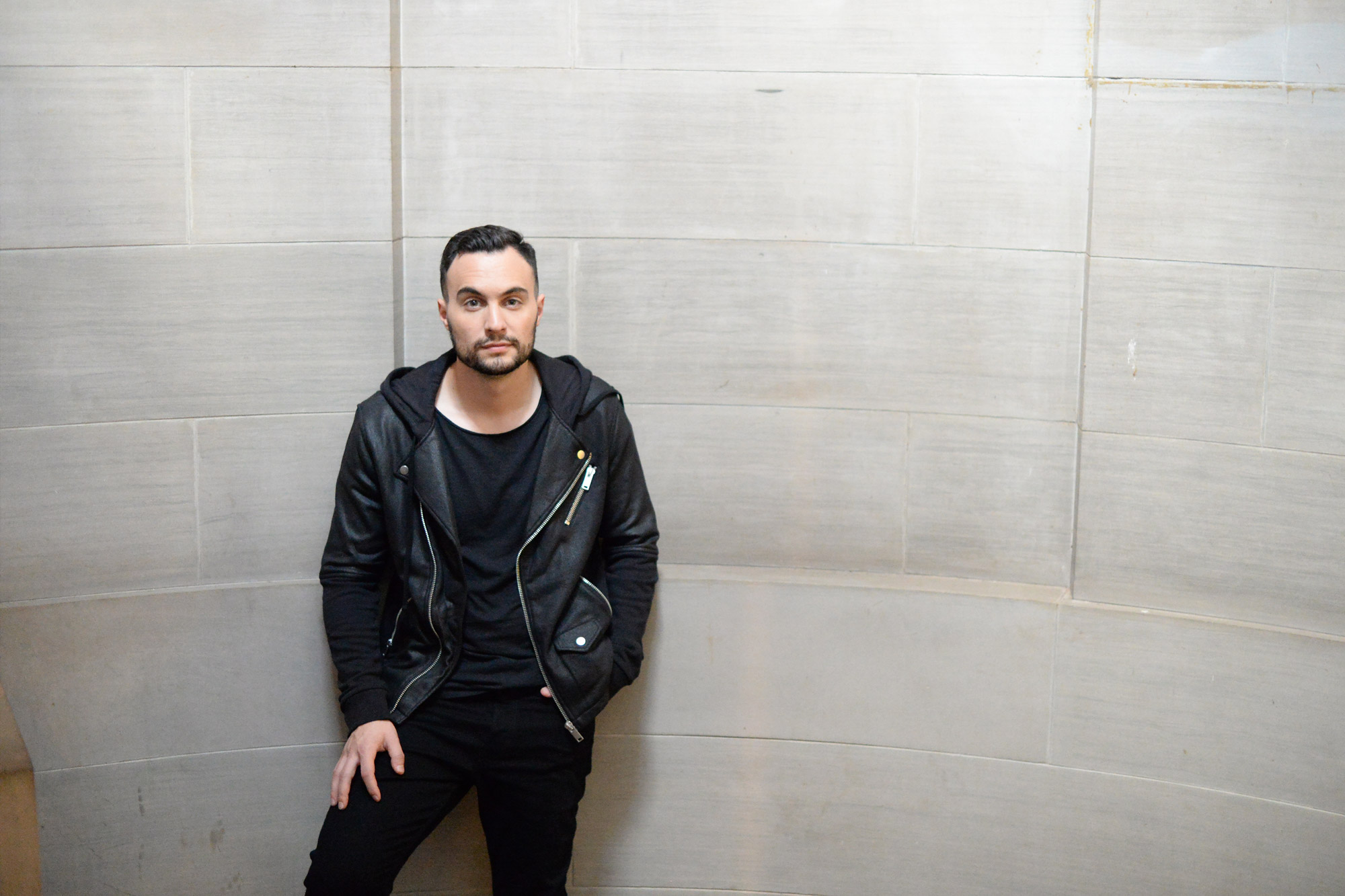 JessE Clegg - Jesse Clegg is a South African singer-songwriter whose three studio albums, When I Wake Up, his 2011 follow up Life on Mars, and his latest, Things Unseen, have made Clegg a platinum-selling success in his home country.