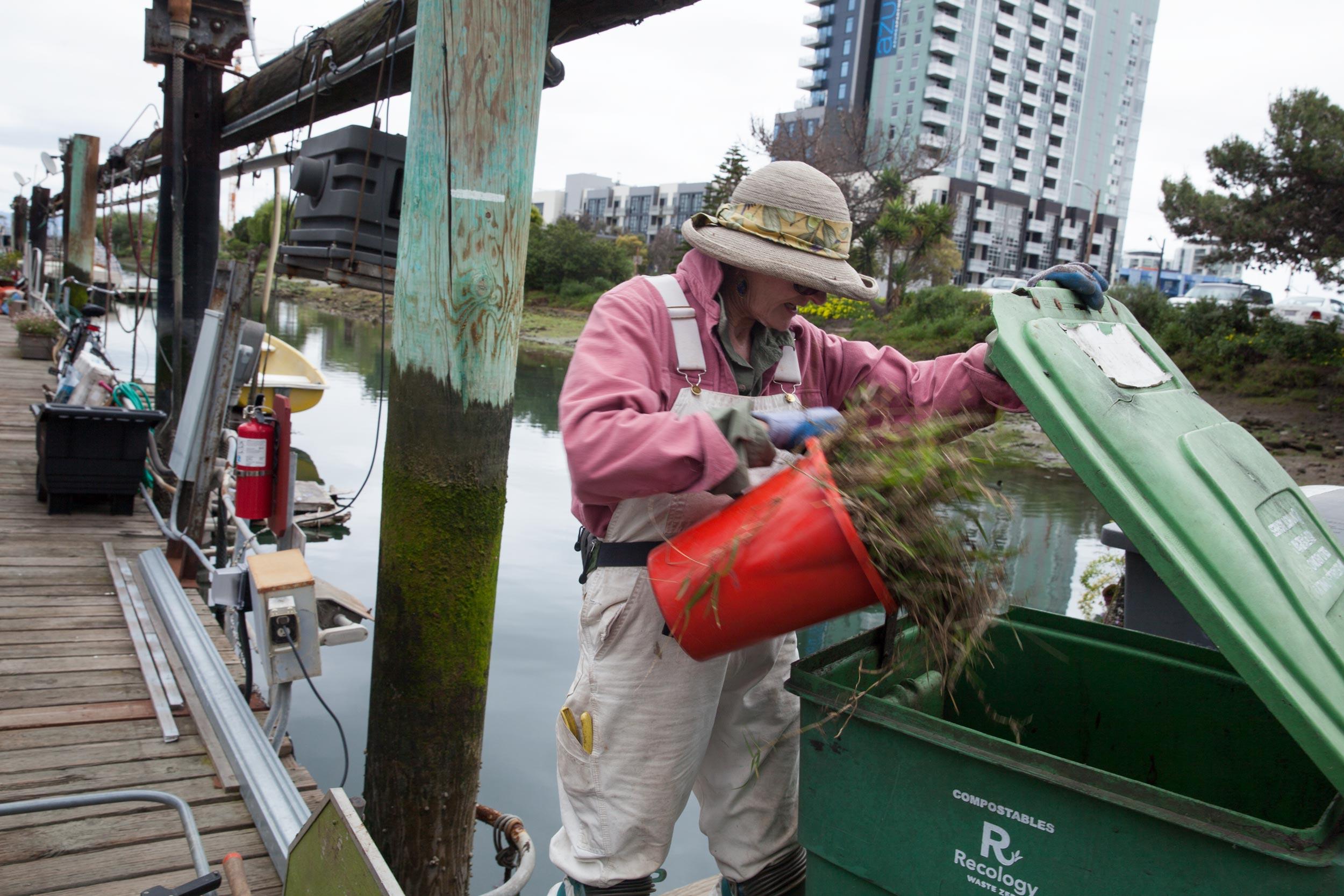 Houseboats-composting-Ginny-MissionCreek-SF.jpg