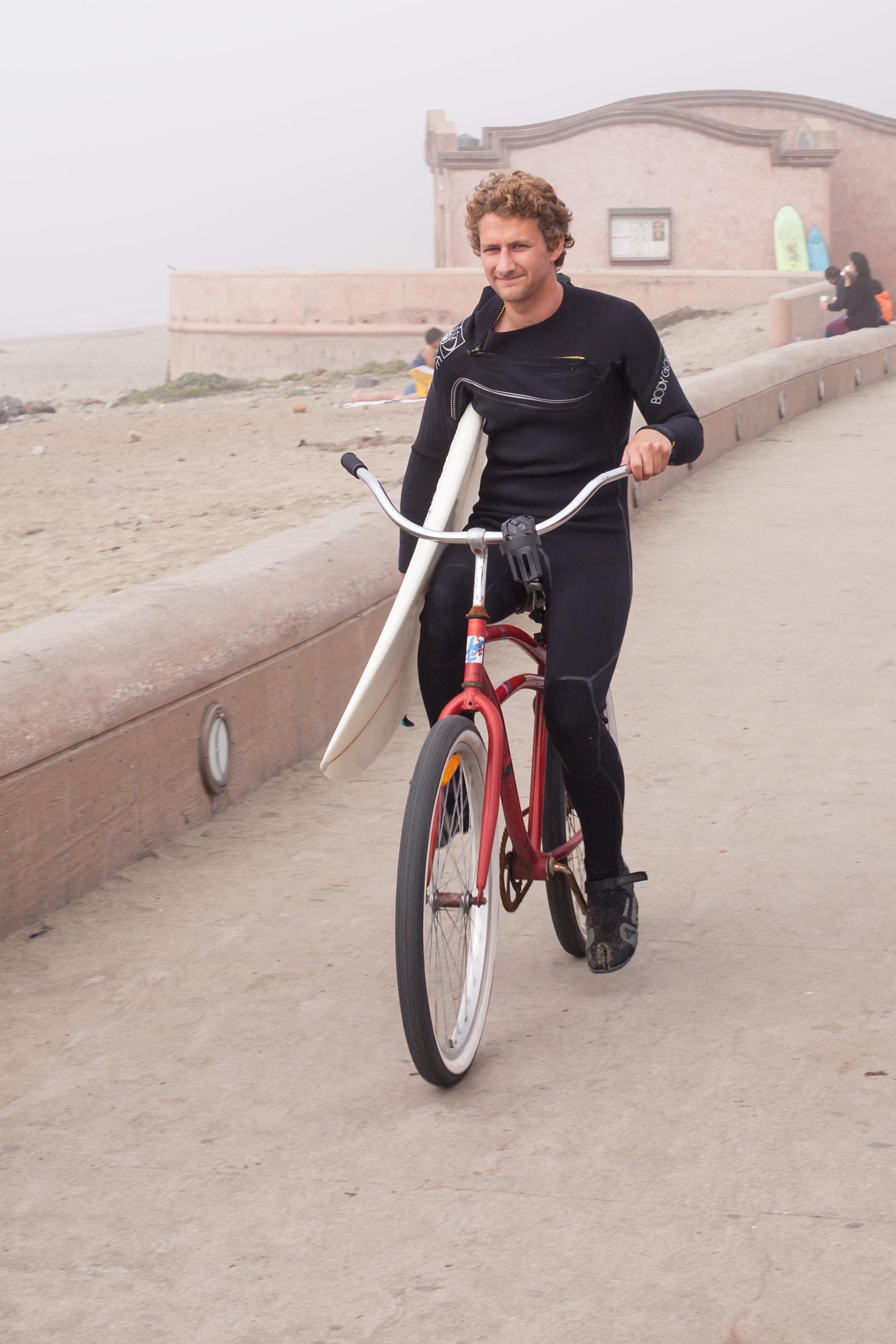 surfer-Pacifica-Lindamar-bike.jpg