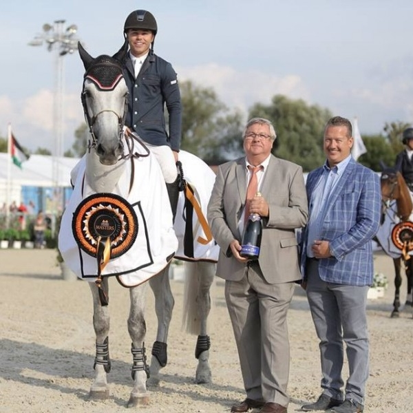 KENT FARRINGTON WINS INAUGURAL STEPHEX MASTERS GRAND PRIX ABOARD WILLOW  As the last to go in a four-horse jump-off, Kent Farrington won the Stephex Masters Grand Prix aboard Willow (Guidam x Little Rock). It was a determined Farrington that went to work, after being second on the same horse in Friday's big class – losing out on a brand new Land Rover. This time around it was clear that the American rider wanted to make it to the top – and so he did.   READ MORE
