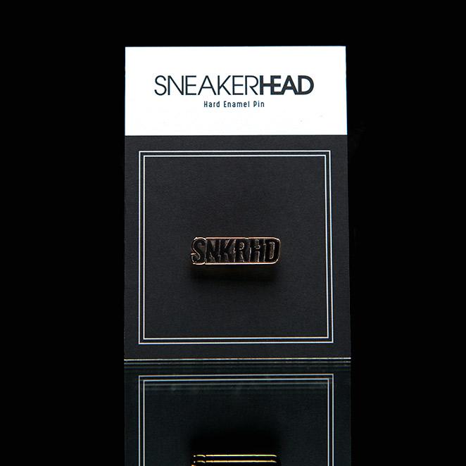 snkrhdpin-packaging-right.jpg