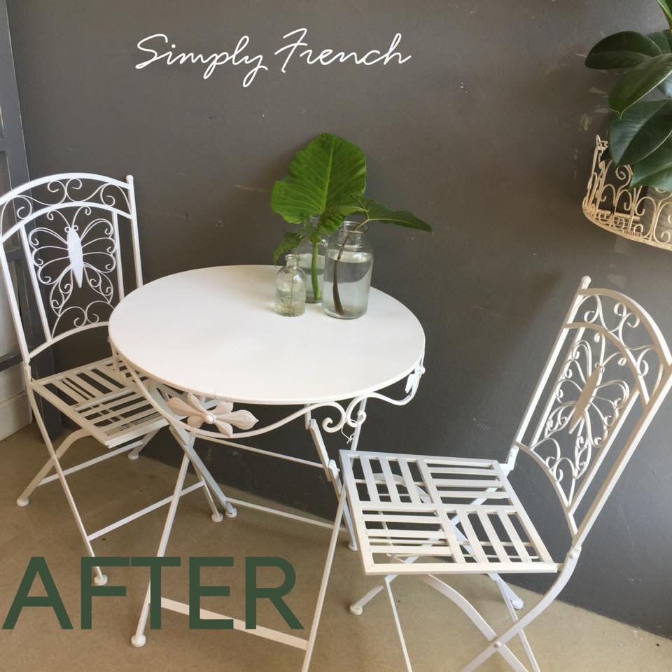 white table and chairs.jpg