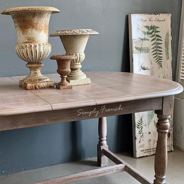 We stripped this table for a customer down to raw wood and then used Annie Sloan Old White  as a wash to give it a Limed look . Sealed with Chalk Paint Lacquer. #anniesloanhome #anniesloanchalkpaint #simplyfrenchsa #anniesloansa #zibraweeklypick #zibrafurnitureart
