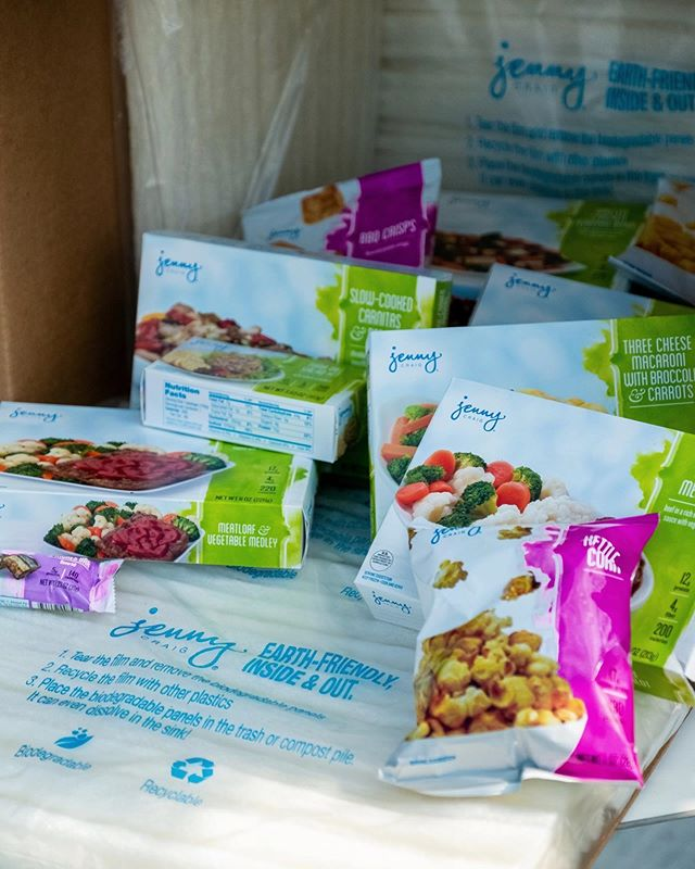 Did you hear? We partnered with @JennyCraig to assist in the rollout of their new program Jenny Craig Cares! This new service offers greater convenience and customization to their customers - while getting delivered safely in our earth-friendly packaging. A win-win indeed! Check out the link in our bio to learn more about this new partnership! 📦📦📦