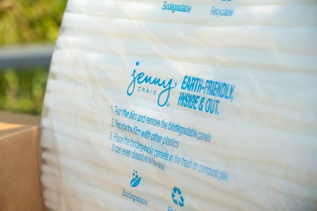 Check us out in your next @jennycraig weekly shipment! . . . . . #GCFCellfie #ECOrn #greencellfoam #greencellplus #greencell+ #livegreen #ecotip #greenliving #ecoliving #ecohome #packagingdesign #packaging #greencellfoam #packagingideas #packaginglove #greenpackaging #greenbeauty #smallbusiness #ecobeauty #crueltyfree #mealkit #fooddelivery #jennycraig #jennycraigcares #compostable #environmentallyfriendlypackaging