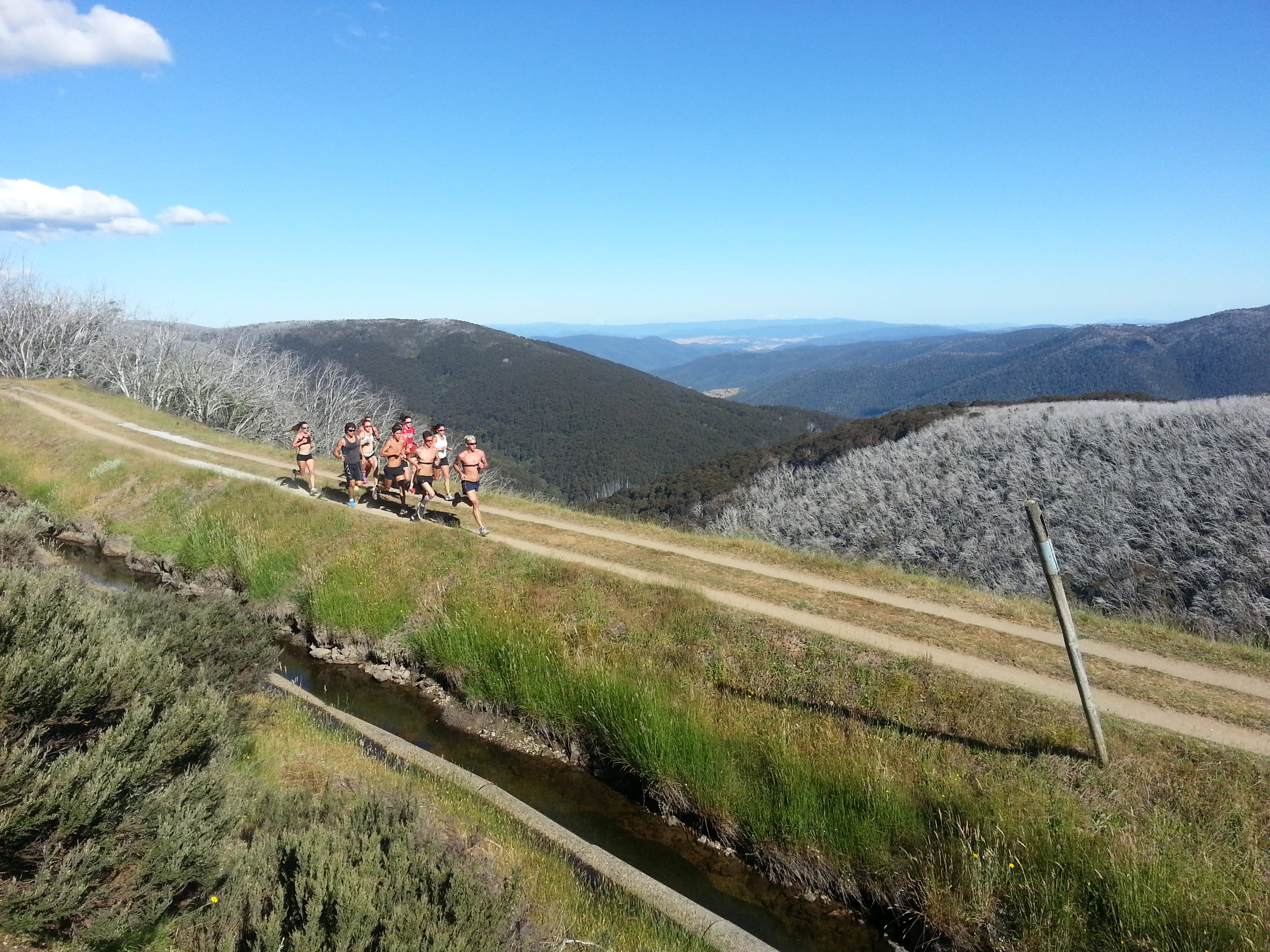 Running in Falls Creek with the Wollongong Wizards