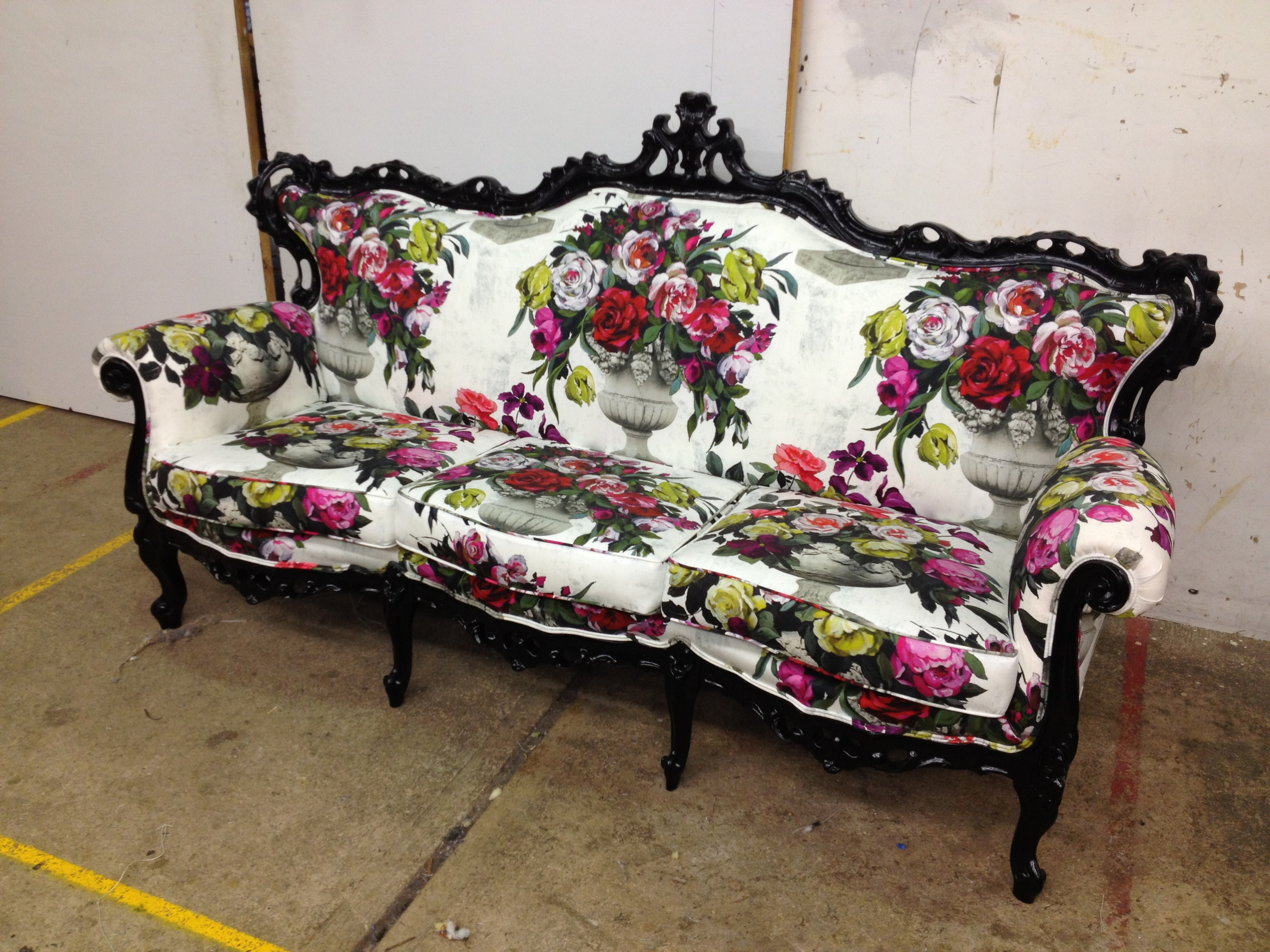 Antique lounge - Dream Design - Reupholstery