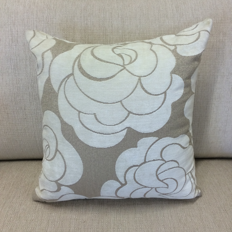 $72(limited edition)  Size: Square Medium  Fabric: -
