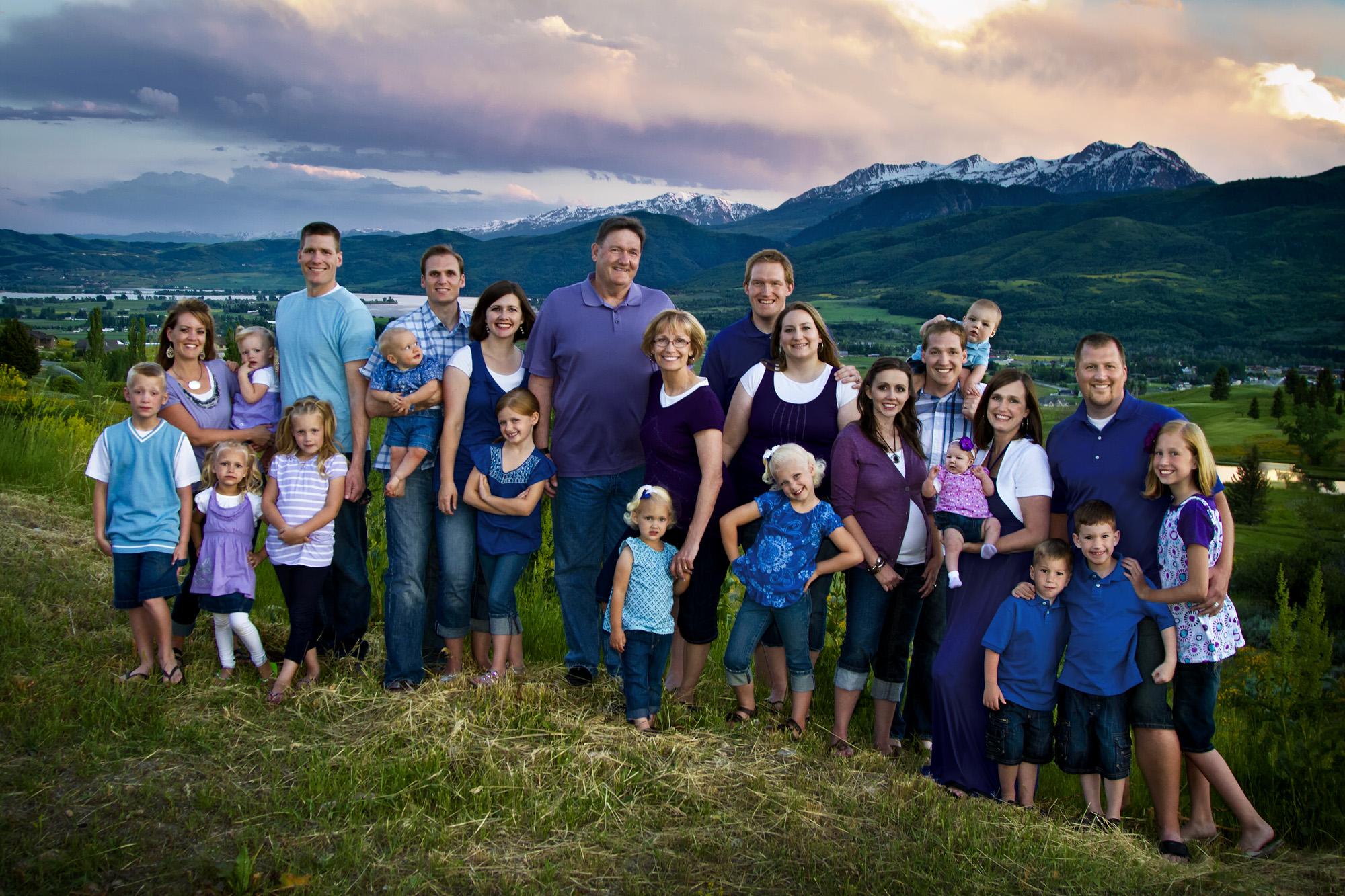 Vickie Larsen family.jpg