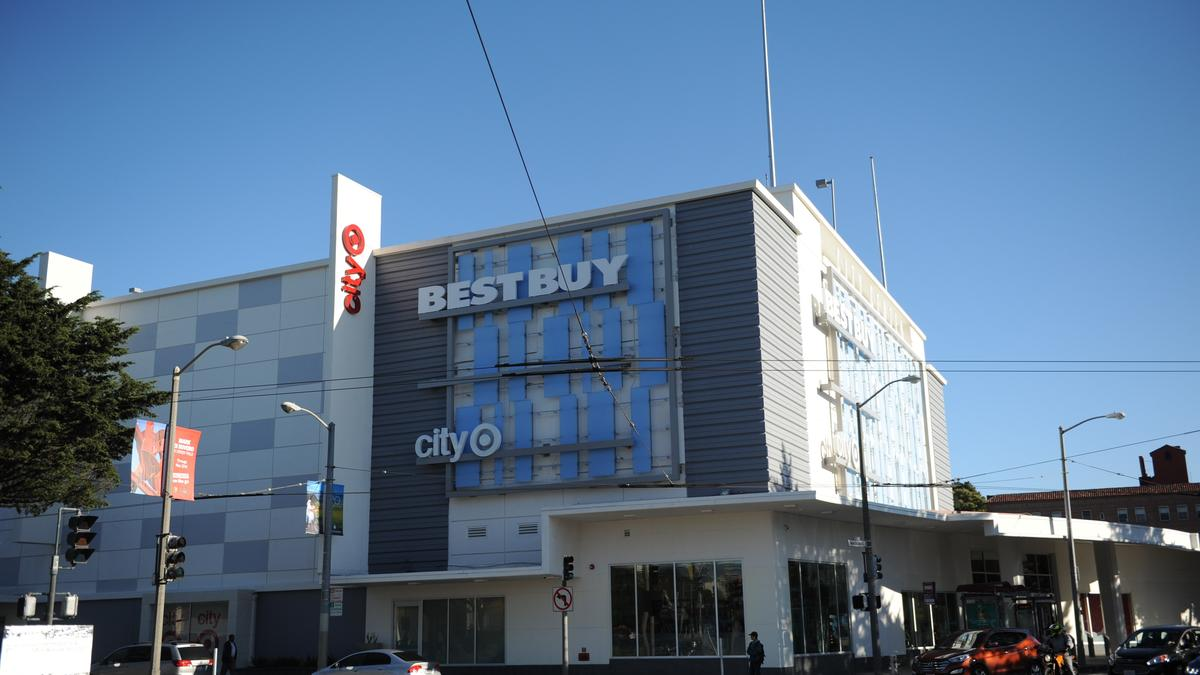 A shopping center at the intersection of Masonic and Geary is home to a City Target, Best Buy and several other national retailers.