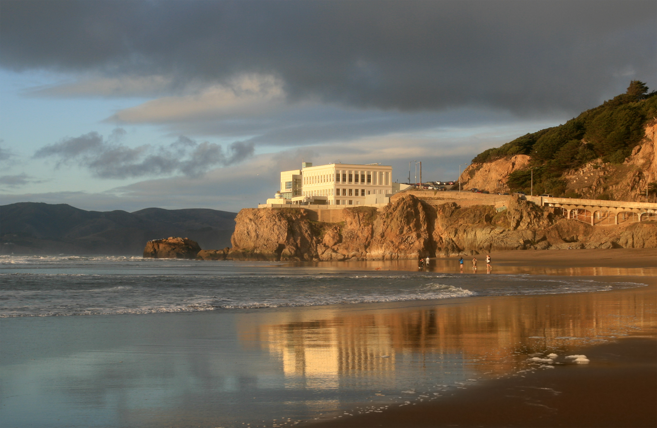 The Cliff House, built in 1909, is home to several restaurants with breathtaking ocean views.