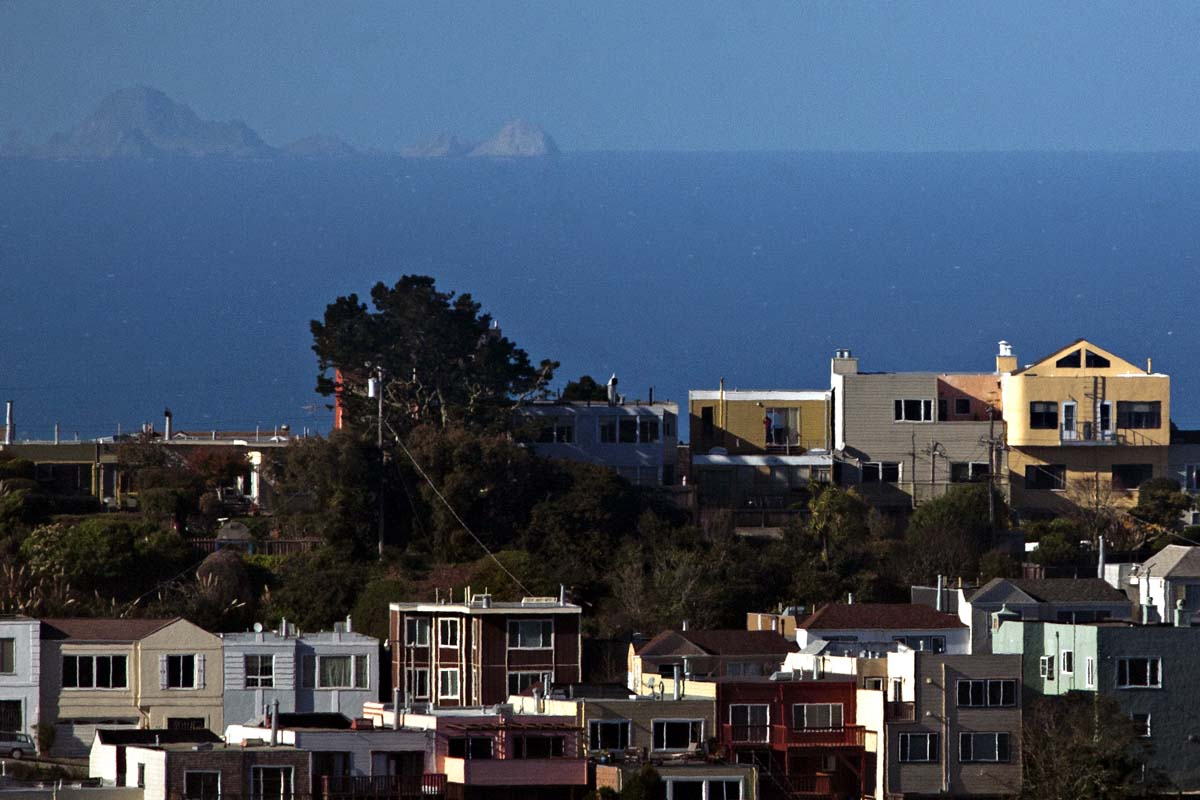 Many homes in Golden Gate Heights are perched atop hills and have breathtaking views of the city, ocean and bay.