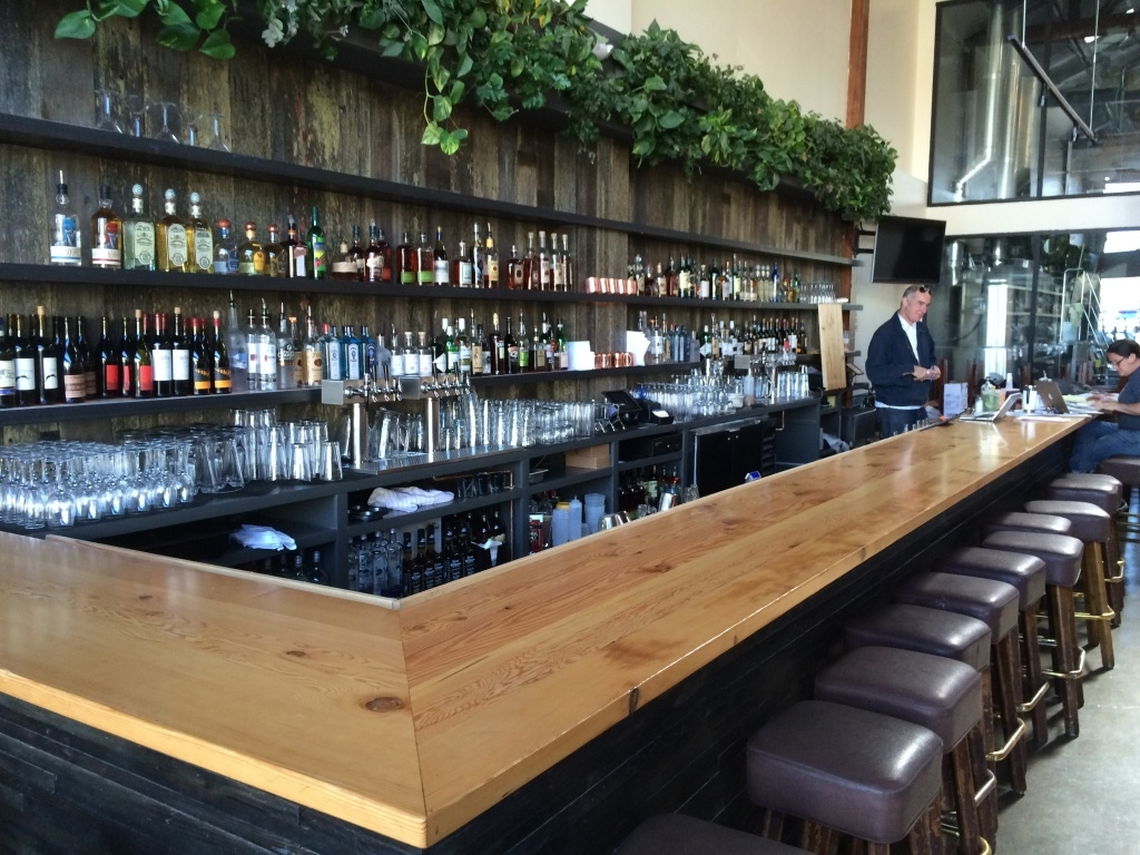 The Sunset Reservoir Brewing Company on Noriega, a lofty, bi-level tavern serving up mid-priced American fare and local brews, is one of the neighborhood's hot new gathering spots.
