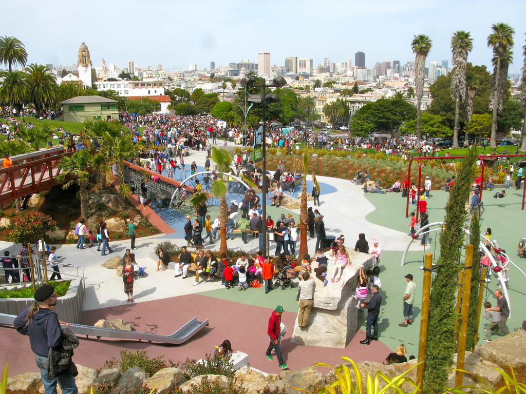 A popular gathering spot for families and neighbors, Mission Dolores Park boasts a large, recently renovated playground and a large grassy area for picnicking.