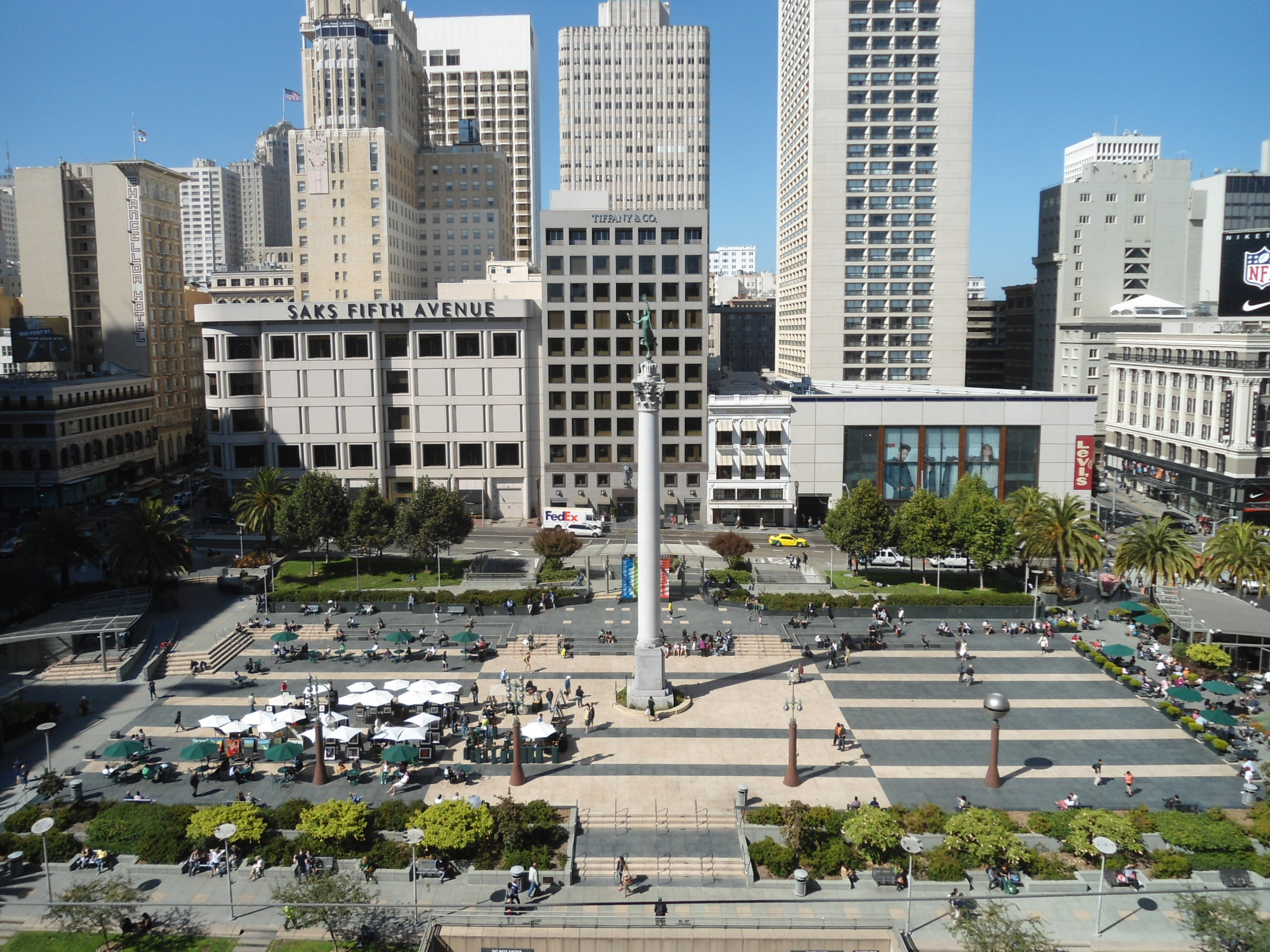 A great gathering place in the heart of the downtown area, nearby Union Square is a 2.6-acre public plaza bordered by Geary, Powell, Post and Stockton Streets.