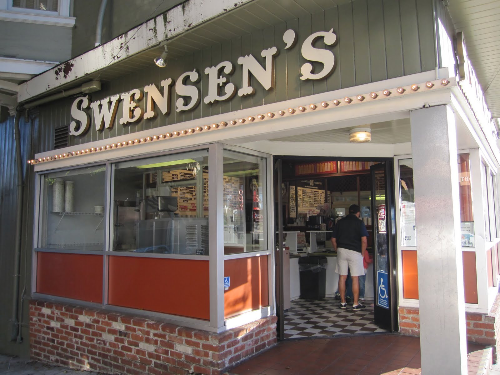 Swensen's Ice Cream, at the corner of Union and Hyde, was the original store in the famous ice-cream-fountain chain.