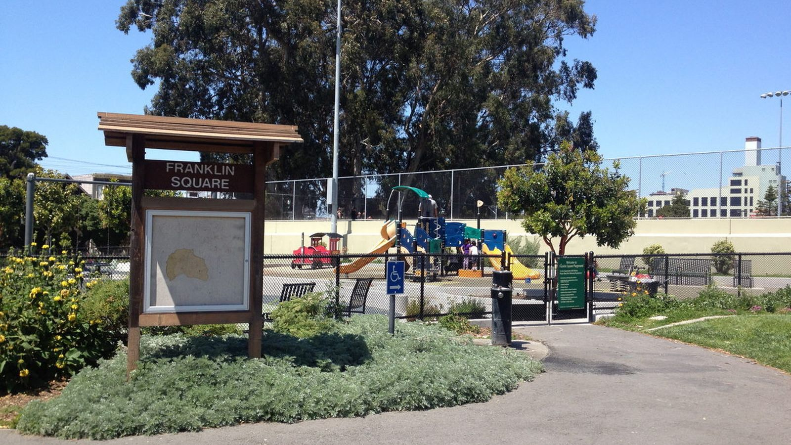 Franklin Square is a bustling urban park that boasts a lighted turf soccer field, large modern playground and picnic areas.